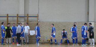 Ekipa Bečeja 2003 pred početak polufinala kupa protiv Vrbašana | Foto: Vlastimir Jankov