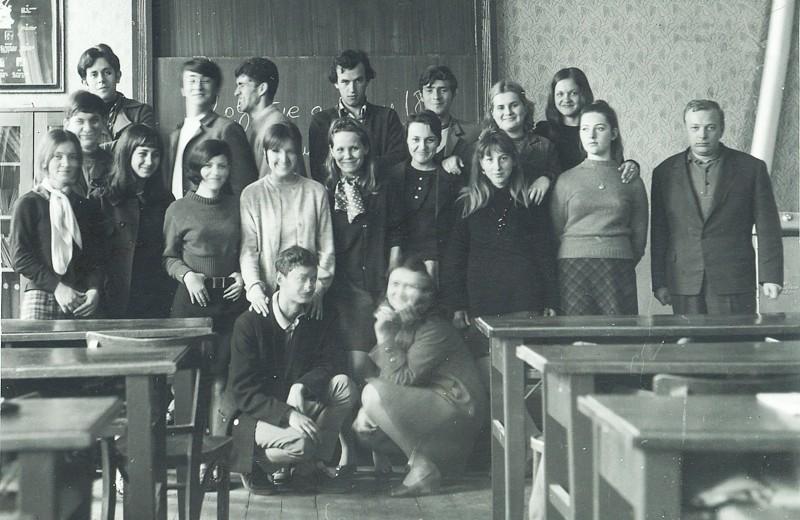 razredni staresina u becejskoj gimnaziji - foto privatna arhiva