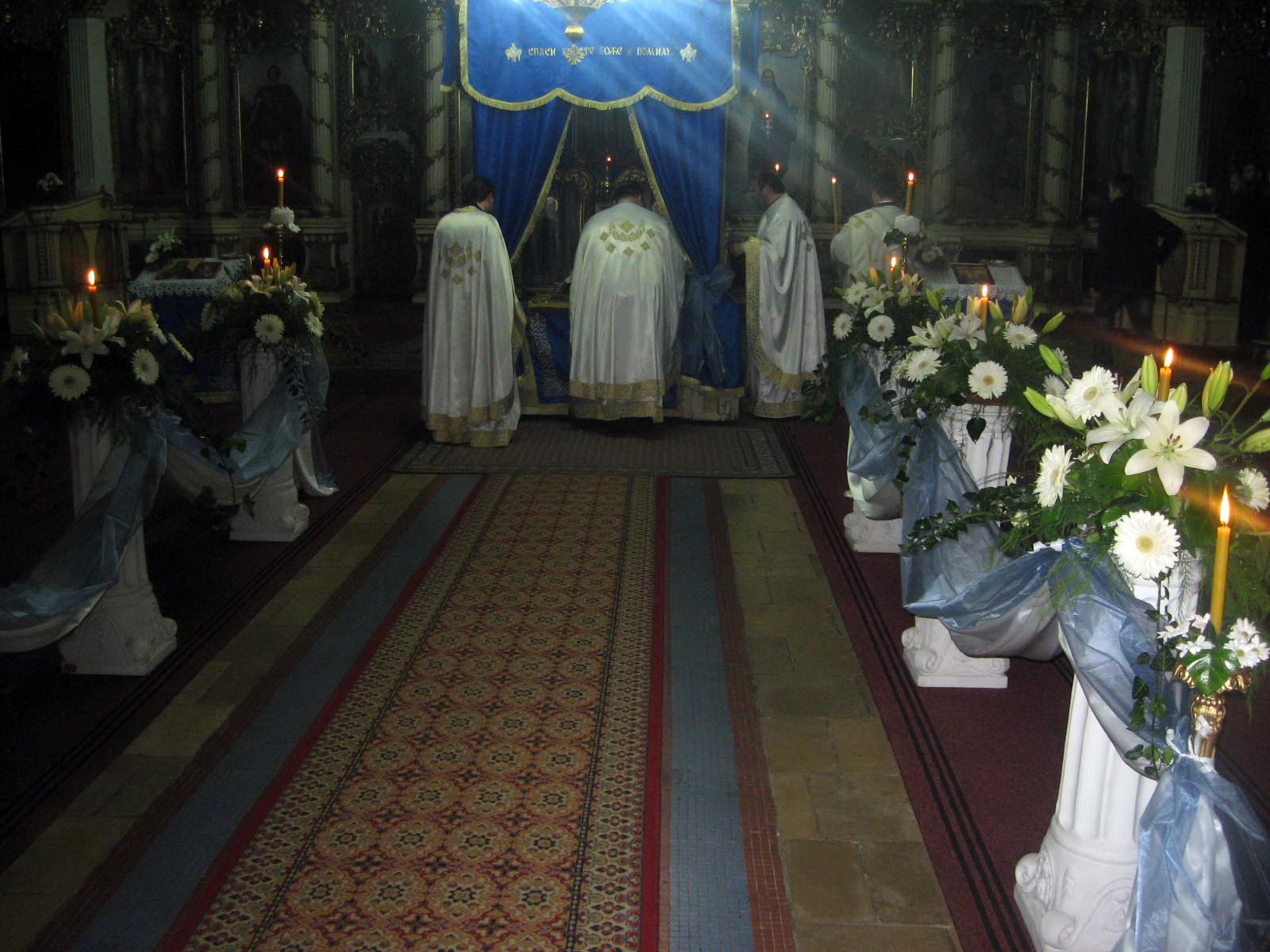 Sa Vaskršnjeg bogosluženja u bečejskoj crkvi | Foto: Vlastimir Jankov