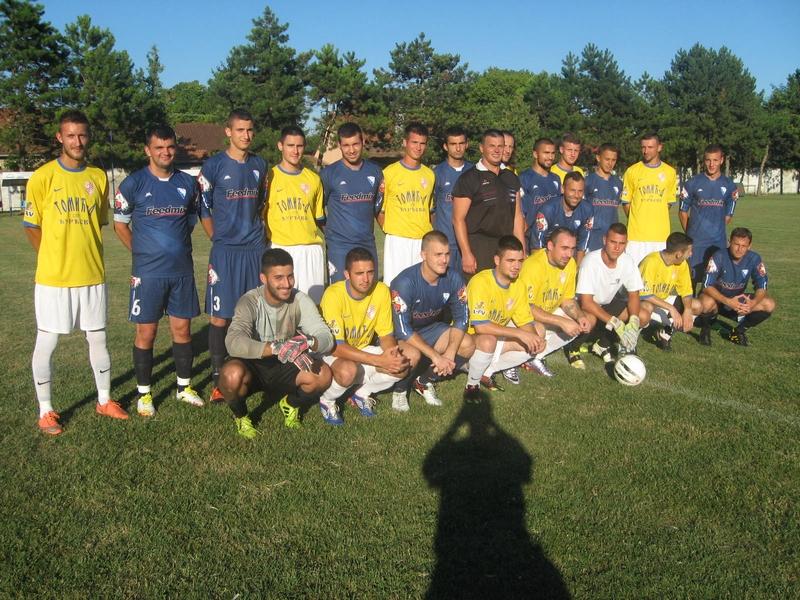 Finalisti bačkogradištanskog turira u fudbalu   Foto: Vlastimir Jankov