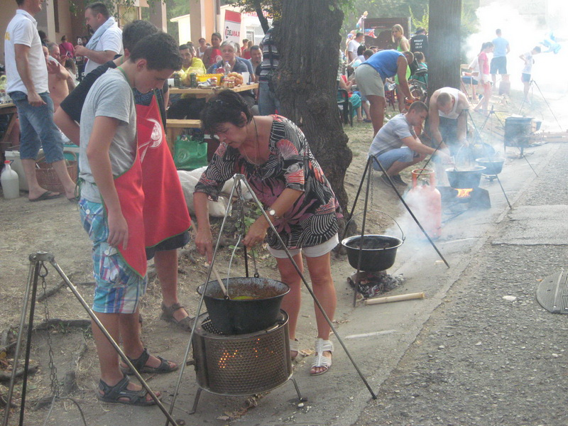 Kulinari uvek privlače dužnu pažnju brojnih posetilaca   Foto: Vlastimir Jankov