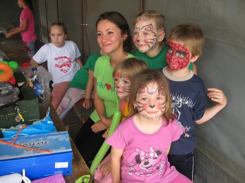 Najmlađi su uživali u radionici crtanja po licu | Foto: Vlastimir Jankov