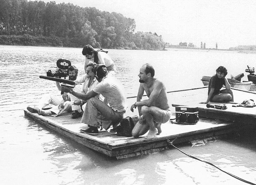 """Ekipa """"Indirekta"""" na snimanju reportaže o kajakašima na Tisi u Bečeju 1982. godine"""