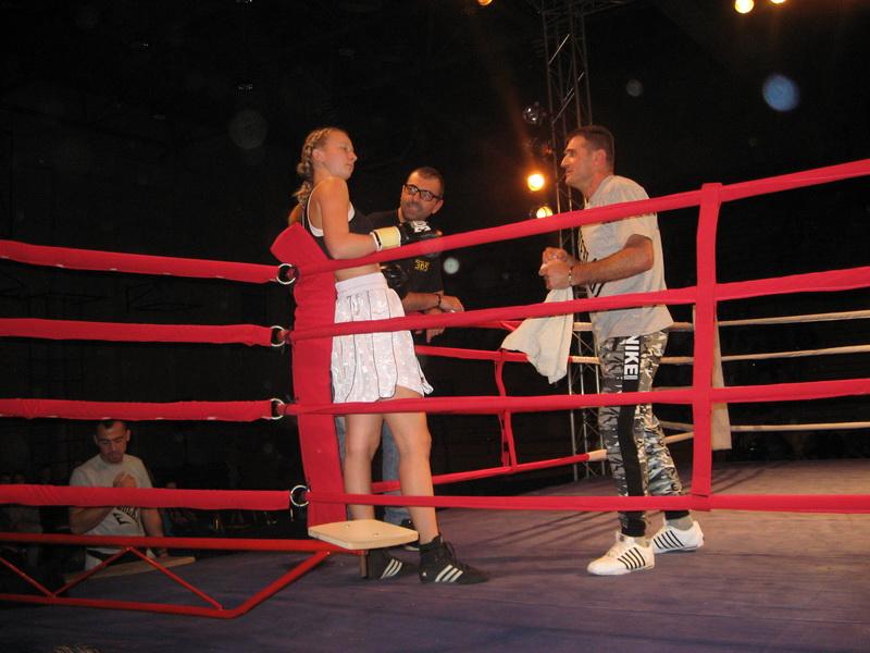 Milena Švonja na ringu s trenerom Žarkom Radovićem| Foto: Vlastimir Jankov