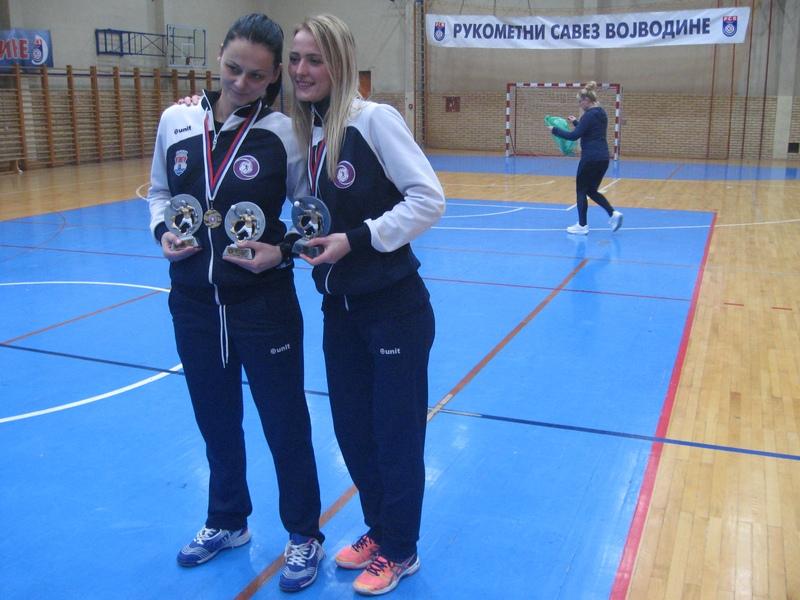 Maja i Sanja su osvojile tri pojedinačna priznanja | Foto: Vlastimir Jankov