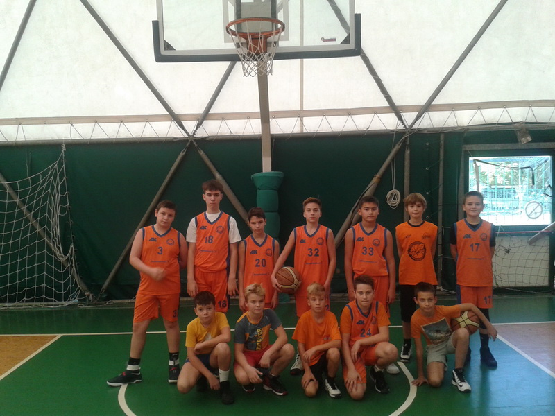 Mlađi pioniri KK Bečej igraju VIBA ligu u Novom Sadu | Foto: Vlastimir Jankov