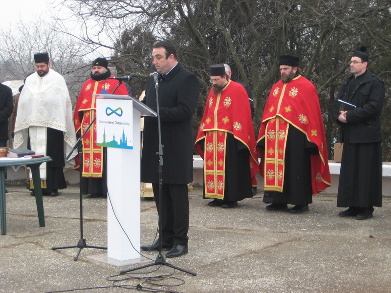 Tužni skup pozdravio je predsednik bečejske opštine Dragan Tošić   Foto: Vlastimir Jankov