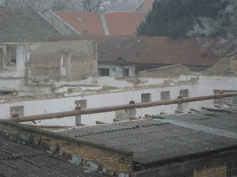 Dvorišni kompleks je načet još krajem prošle godine   Foto: Vlastimir Jankov