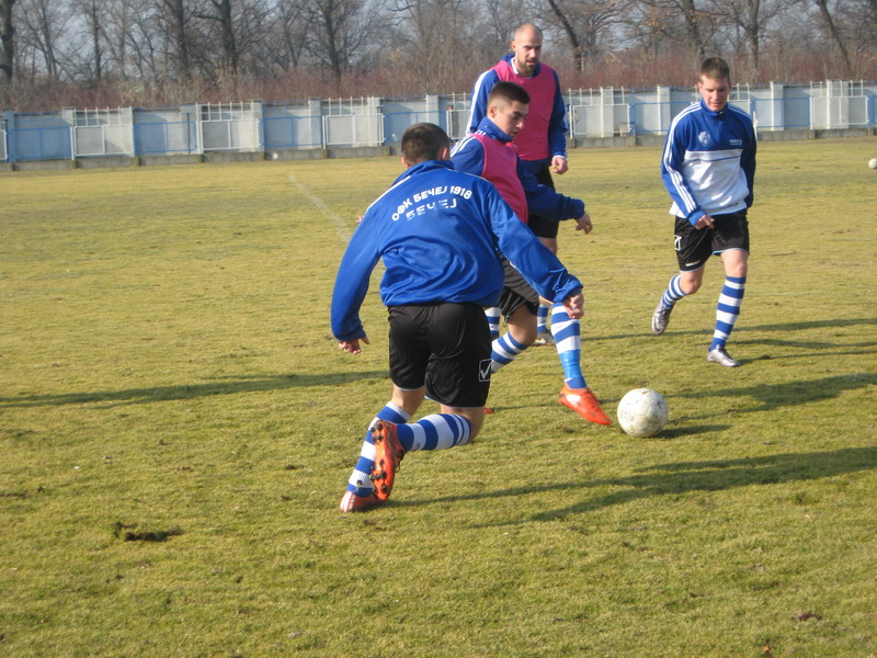 Bečejski fudbaleri sada formu proveravaju protiv srpskoligaša | Foto: Vlastimir Jankov