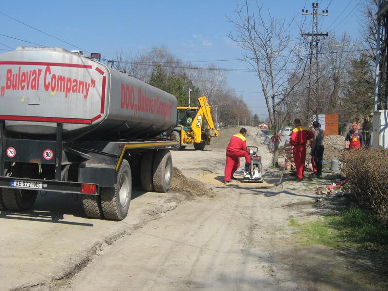 Radovi na uglu Republikanske i Sinđelićeve ulice   Foto: Vlastimir Jankov