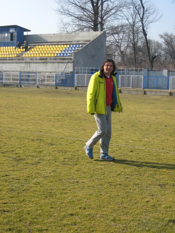 Nezadovoljan izdanjem svoje ekipe trener Dejan Stanojev | Foto: Vlastimir Jankov