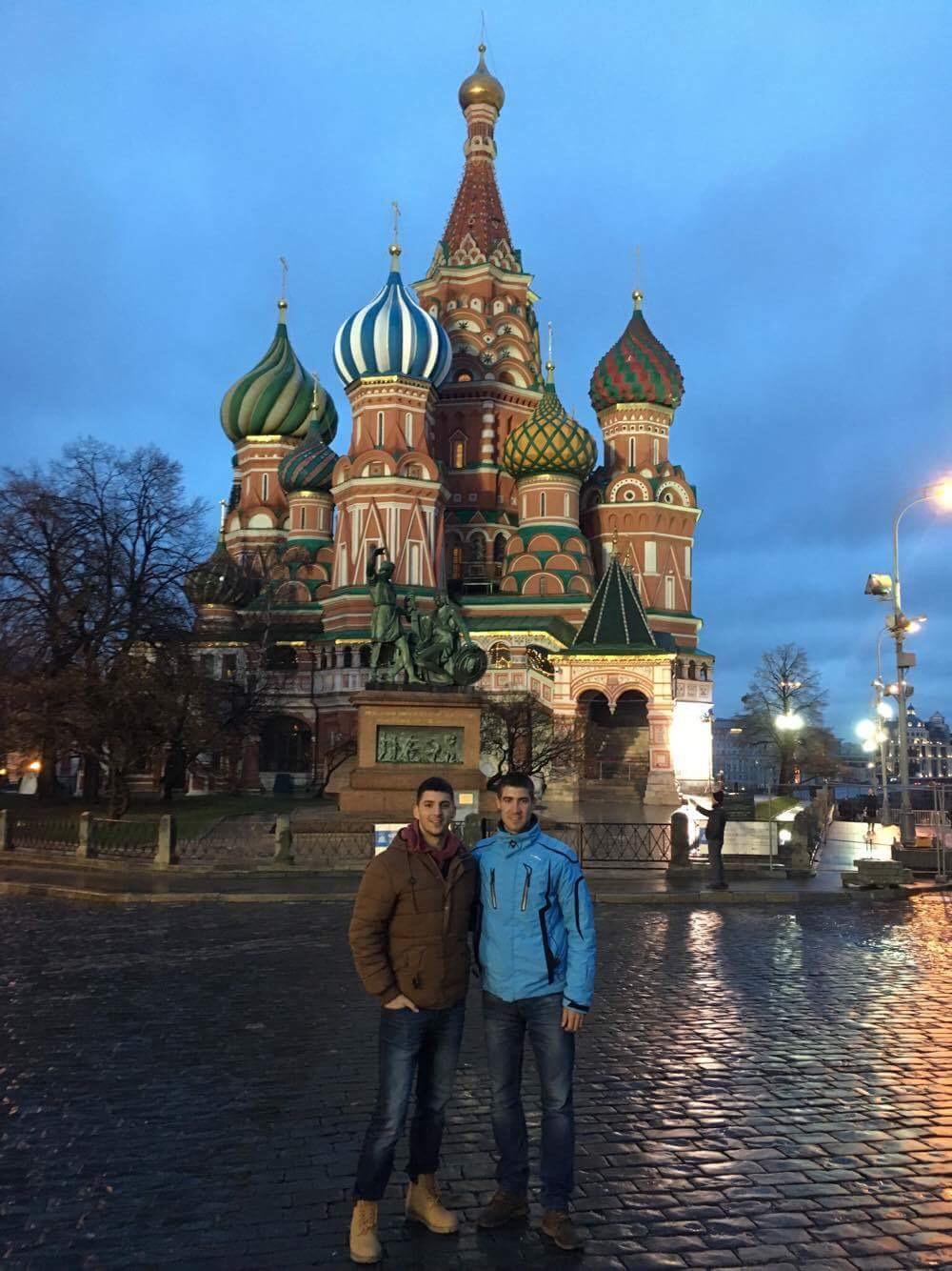 Izgradnju crkve je naručio car Ivan IV Grozni i bila je građena između 1555. i 1561. godine kao sećanje na osvajanje Kazanskog kanata.