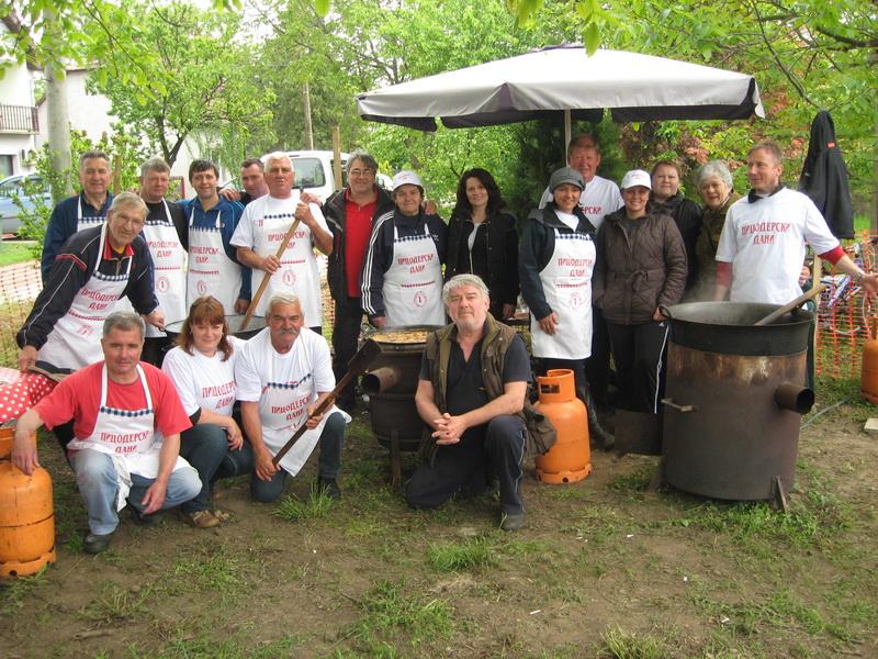 Kuvari su nahranili na stotine gostiju   Foto: Vlastimir Jankov