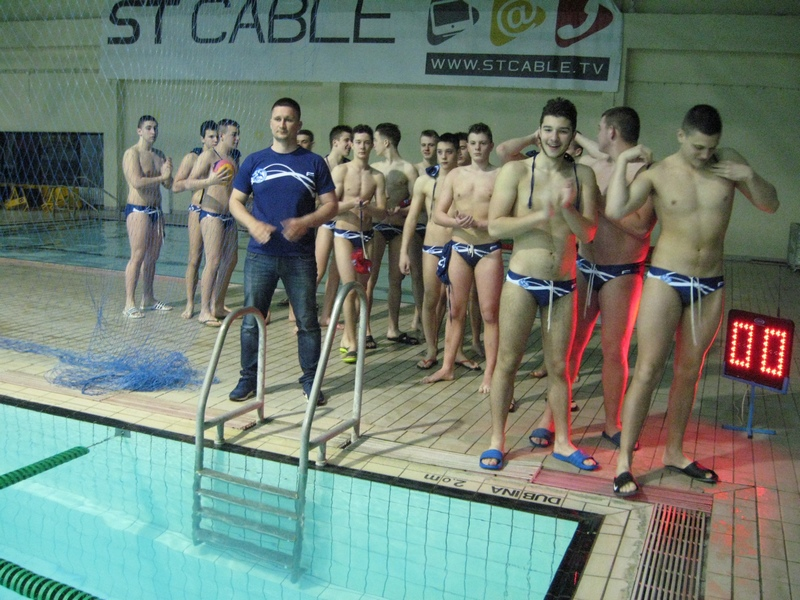 Trener Nemanja Andrić i pobednička ekipa Spartak Prozivke   Foto: Vlastimir Jankov