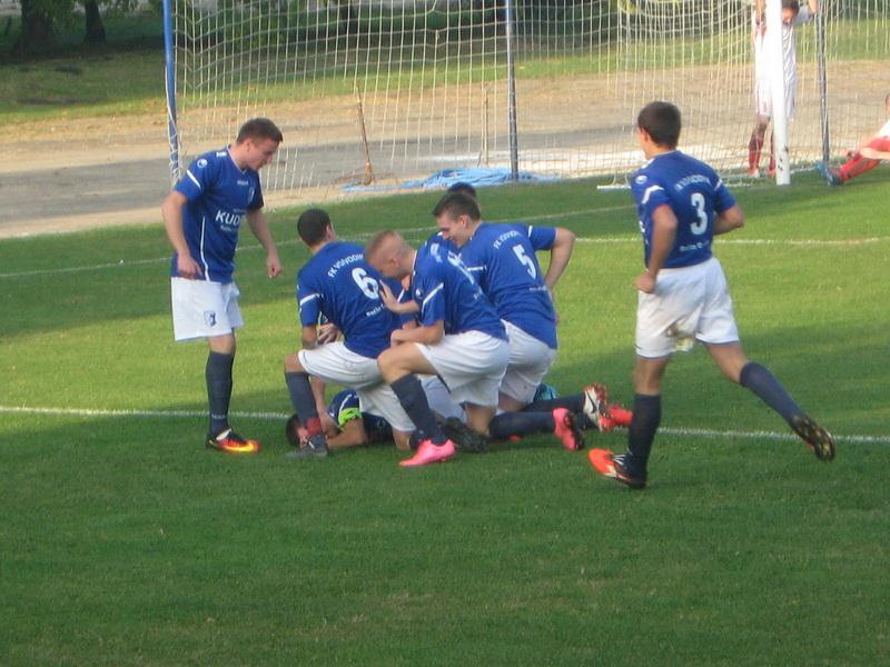 Fudbaleri Vojvodine su se opet radovali ubedljivoj pobedi | Foto: Vlastimir Jankov