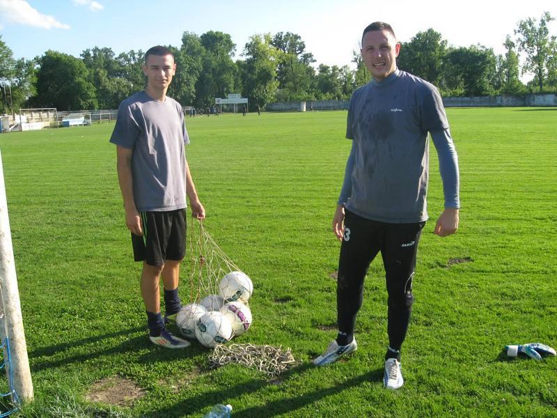 Marko Živkov (desno) je primio prvi golu nastavku i otišla su tri boda | Foto: Vlastimir Jankov