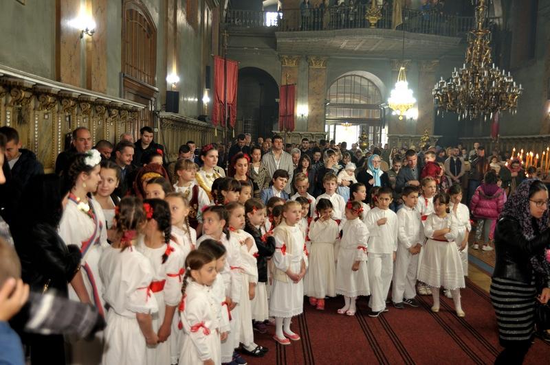 Đurđevdansko bogosluženje pratio je zavidan broj mladih | Foto: Vlastimir Jankov