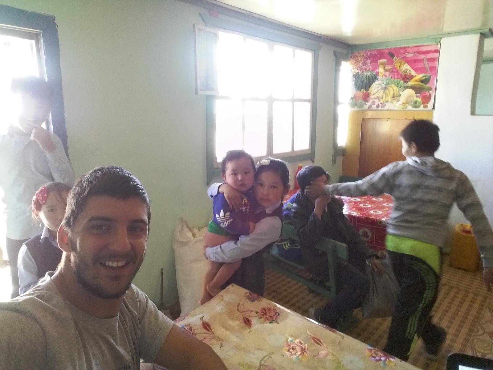 Užina u mongolskom selu i novi prijatelji