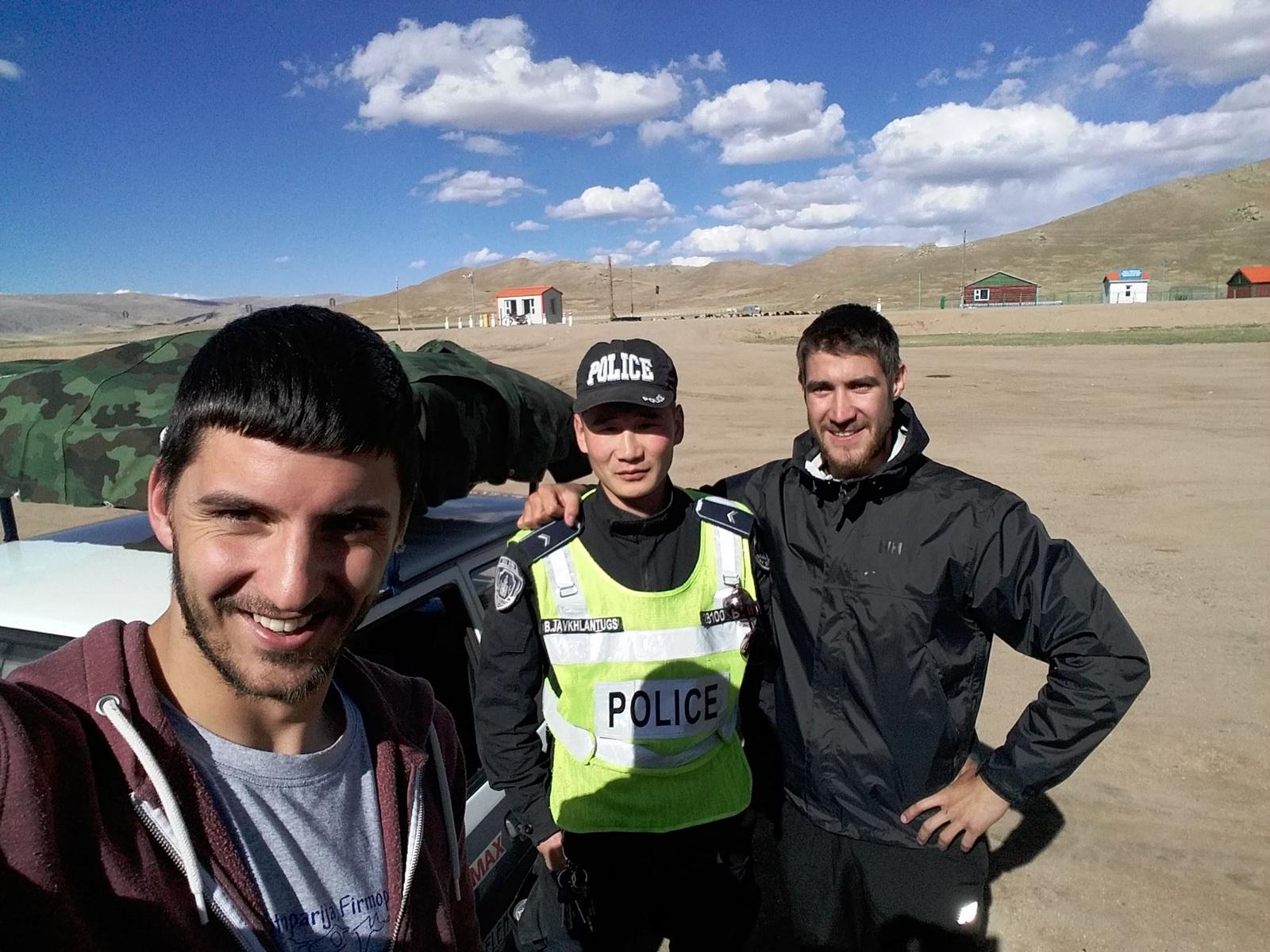 Sa čika policajcem
