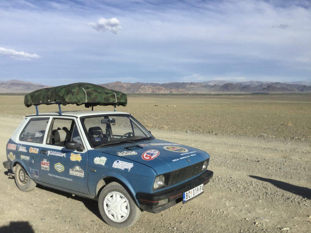 Rino u mongolskim pustinjama