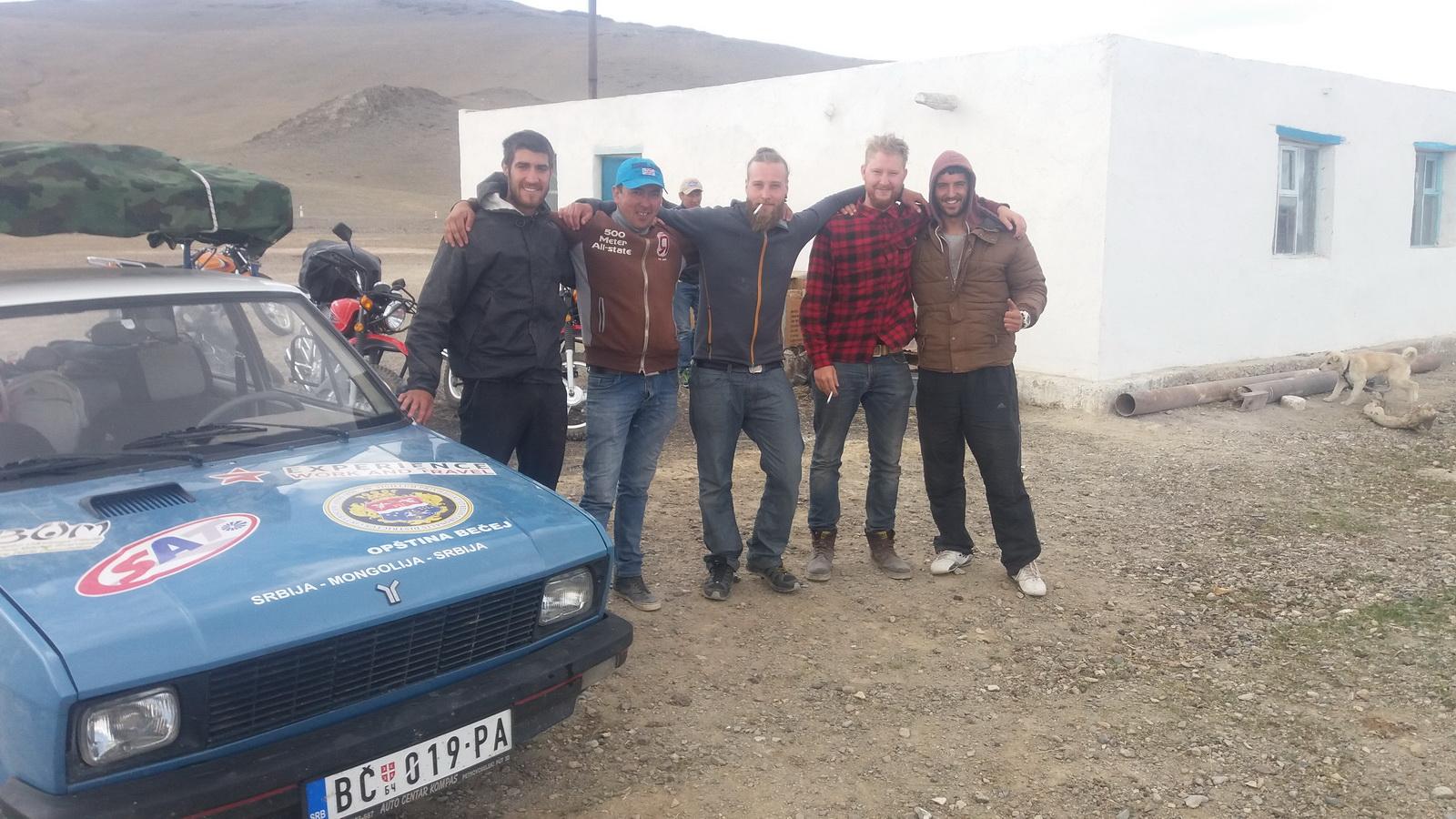 Sa novim prijateljima iz Švedske koji su se isto zaputili na turneju po Aziji