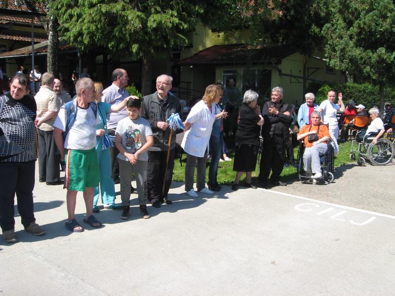 Zainteresovanost je bila prisutna i među navijačima   Foto: Vlastimir Jankov