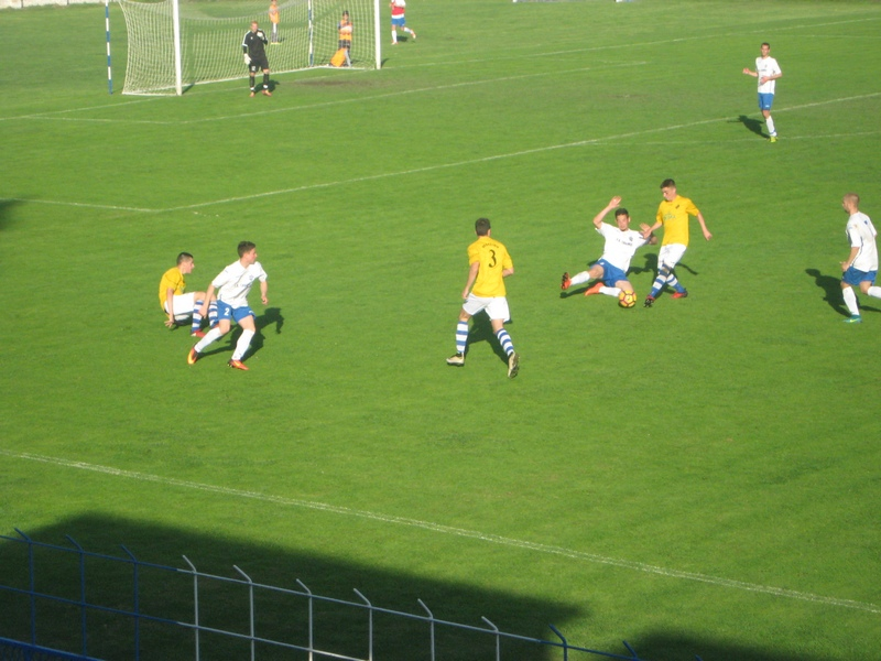 ... u nastavku su igrali u žutim dresovima | Foto: Vlastimir Jankov