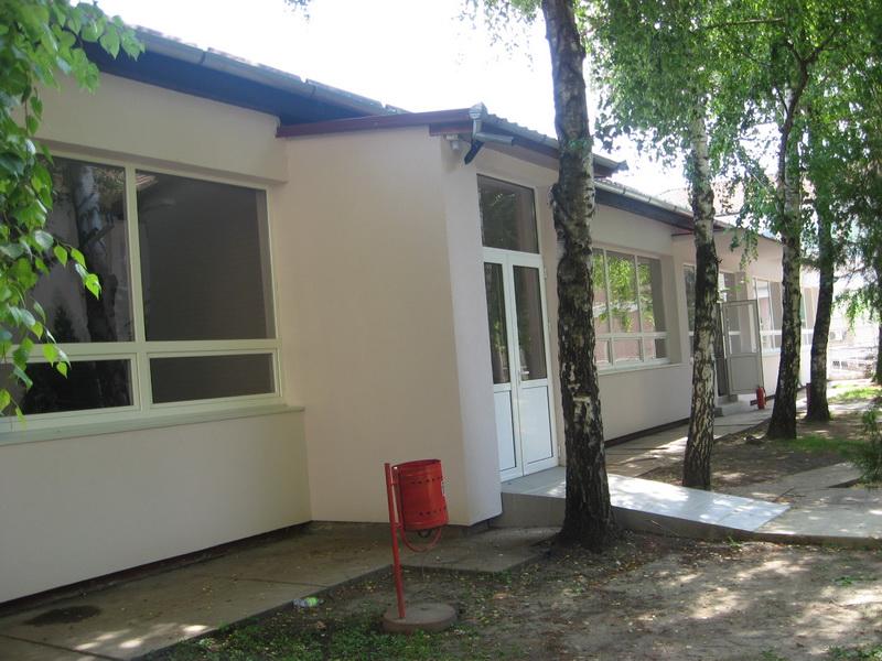 Dvorišna školska zgrada, najzad, dočekala sanaciju | Foto: Vlastimir Jankov