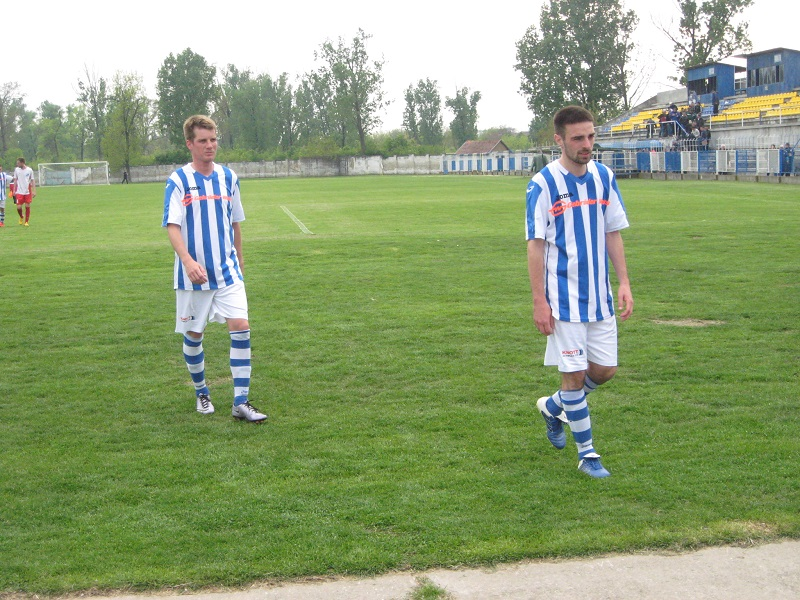 Bojan Ćulum u prvom planu strelac dva gola i Šandor Mihalec | Foto: V. Jankov