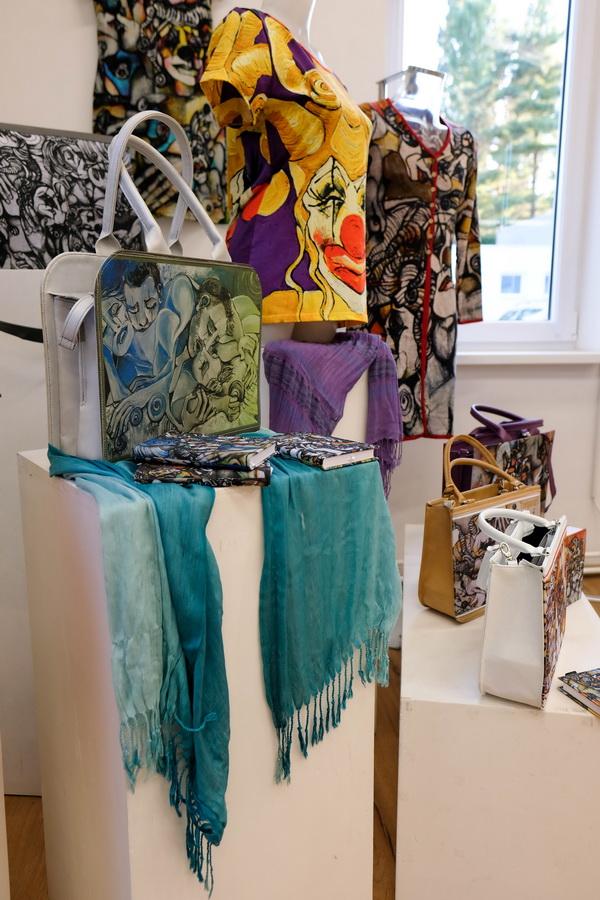 eksponati Bečejska slikarka u Njujorku: Srpska erotika šokira i fascinira Ameriku