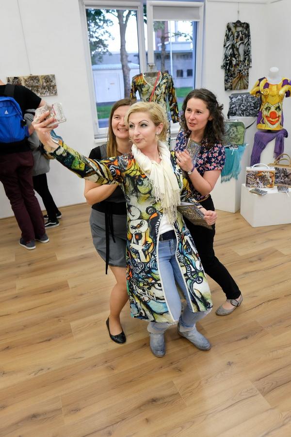 fototijangrujic Bečejska slikarka u Njujorku: Srpska erotika šokira i fascinira Ameriku