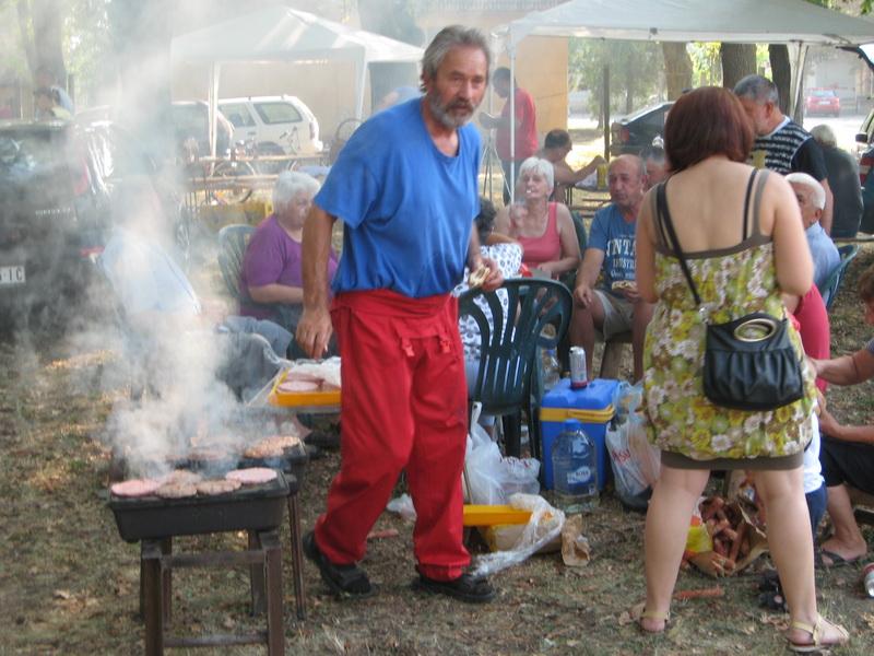 Isključivo su muškarci zaduženi za kulinarije | Foto: Vlastimir Jankov