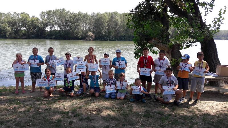 Najmlađi su se najviše radovali diplomama i medaljama | Foto: Vlastimir Jankov