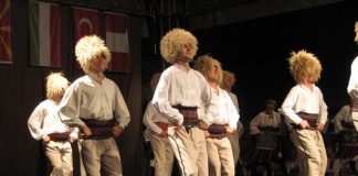 """""""Đidovci"""" imaju na repertuaru dinamičnu koreografiju Vlaške igre Foto: Vlastimir Jankov"""