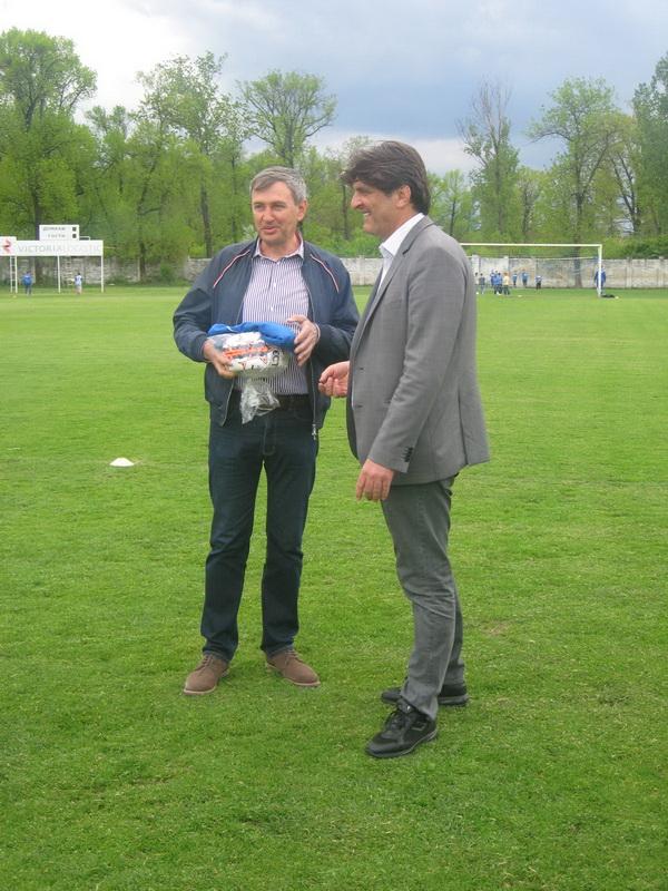 Prvi čovek bečejskog fudbala Dragan Knežev u društvu prvog čoveka FSV Dragana Simovića   Foto: Vlastimir Jankov