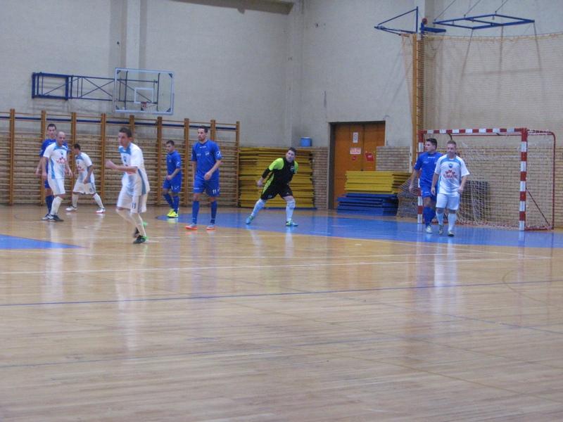 ....a u međuvremenu je viđeno 13 golova | Foto: Vlastimir Jankov
