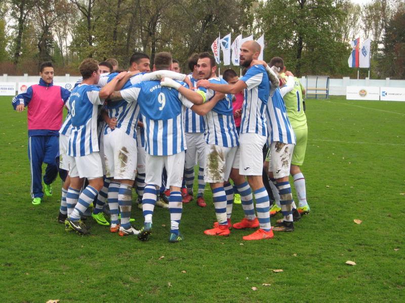 Uobičajena slika ove sezone posle utakmice   Foto: Vlastimir Jankov