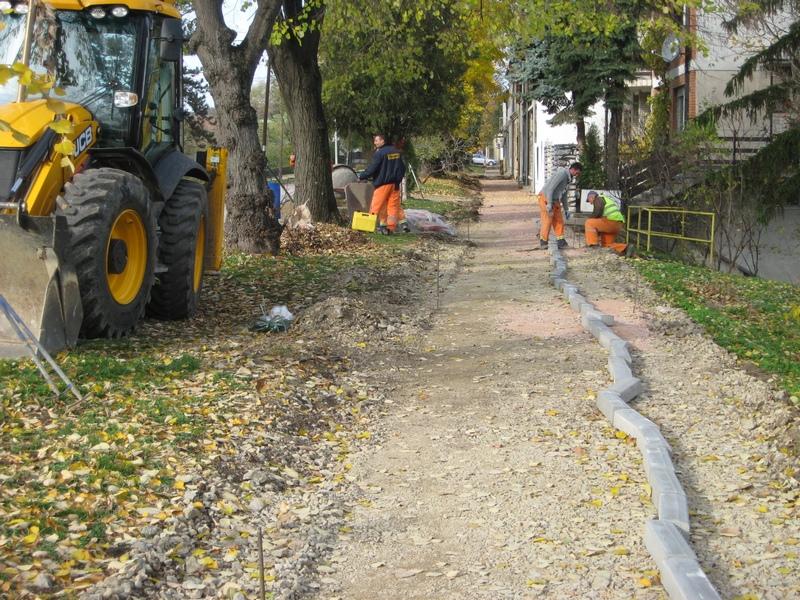 Počelo je postavljanje trotoara u Zelenoj ulici   Foto: Vlastimir Jankov