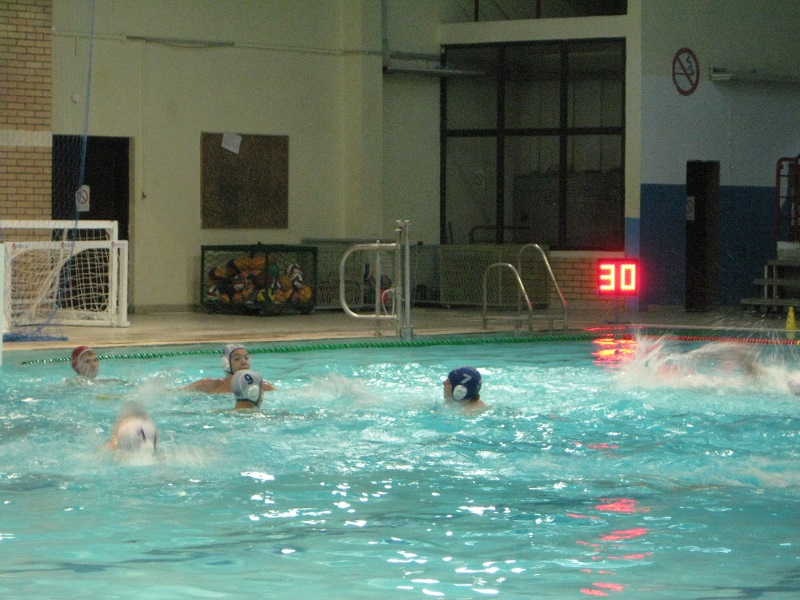 Četrnaestogodišnjaci završavaju sezonu u bečejskom bazenu | Foto: Vlastimir Jankov