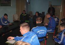 Izlasku na teren prethodio je sastanak u klupskim prostorijama   Foto: Vlastimir Jankov