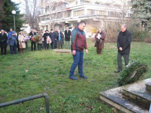 Predstavnici lokalne samouprave su položili venac, a sad pripremaju komemoraciju na Savindan | Foto: Vlastimir Jankov