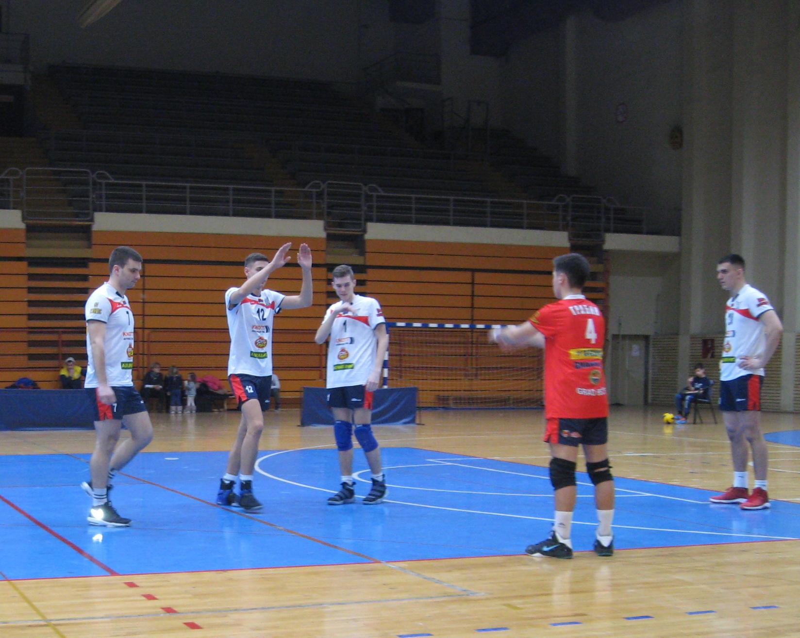 Bečejski prvoligaš će do kraja igrati samo s mladim igračima   Foto: Vlastimir Jankov
