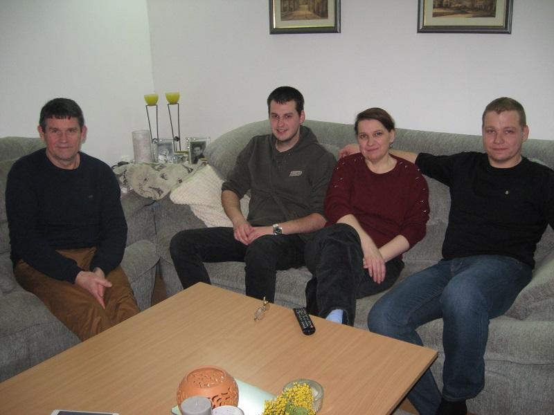 Srećna bačkogradištaska porodica Baranji, Imre, Andor, Judit i Endre | Foto: Vlastimir Jankov