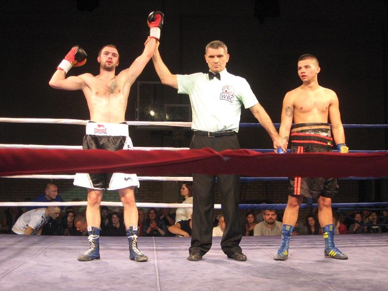 Nemanja Krstin se pobedom vratio na ring | Foto: Vlastimir Jankov