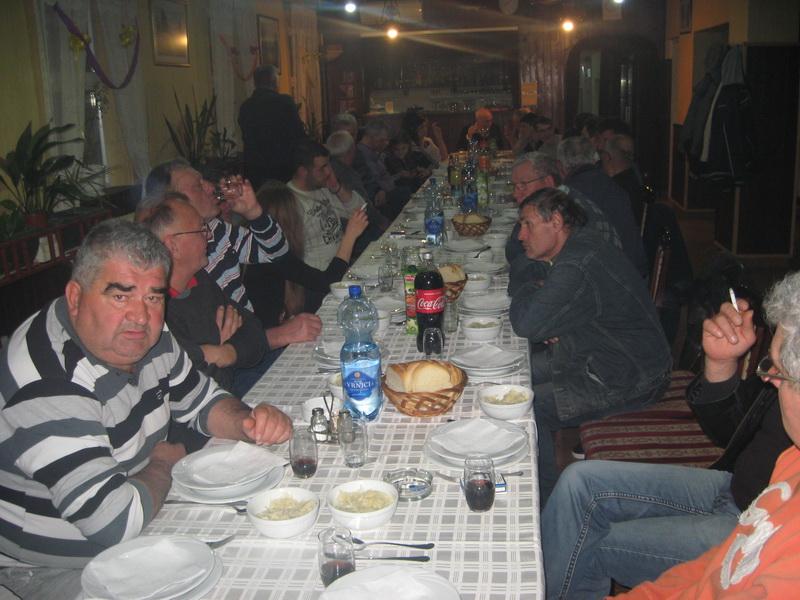 Posle radnog dela skupštine, večera   Foto: Vlastimir Jankov