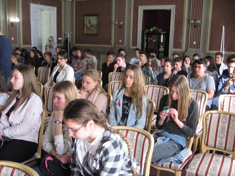 Gosti i domaćini na prijemu u svečanoj sali opšine Bečej | Foto: Vlastimir Jankov