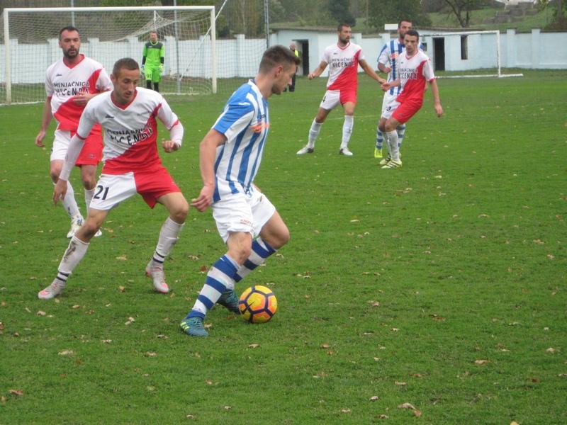Mladen Kovačević bio je strelac dva gola u Starim Banovcima | Foto: Vlastimir Jankov