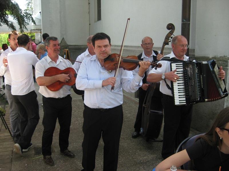 Orkestar Miše Silaškog zabavljao je goste tokom čitavog dana | Foto: Vlastimir Jankov