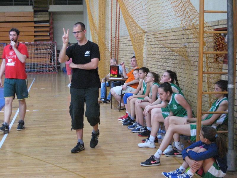 Marko Vuković sa svojim devojčicama | Foto: Vlastimir Jankov