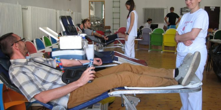Sa poslednje akcije dobrovoljnog davanja krvi u Bečeju | Foto: Vlastimir Jankov